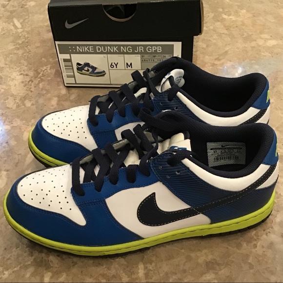 online store 5fbb8 3a01d Boys NIKE Golf Shoes size 6Y. M 5b6f37534cdc305411fbc5dd